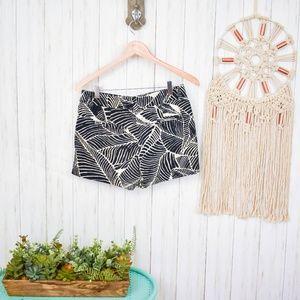 LOFT Shorts - LOFT Black Banana Leaf Print Shorts P01